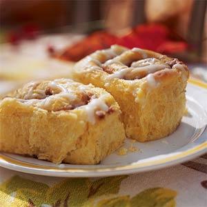 pumpkin cinnamon-buns-ck-521609-l (1)