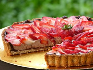Chocolate Yogurt Tart with Strawberries - TheFitFork.com