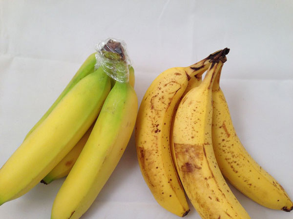 Wrap crown of banana bunch with plastic wrap to delay over-ripening.