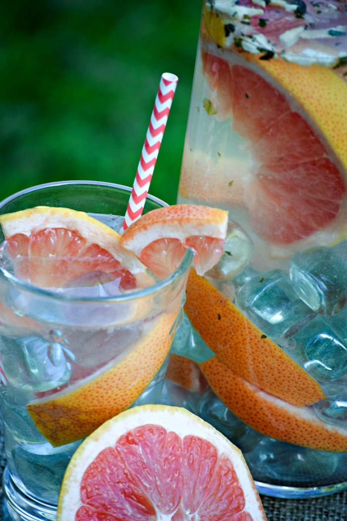 Grapefruit Mint Infused Water - TheFitFork.com
