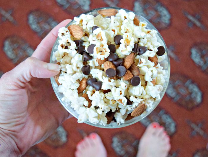 Popcorn with Chocolate Chips and Almonds makes a healthy salty-sweet snack!
