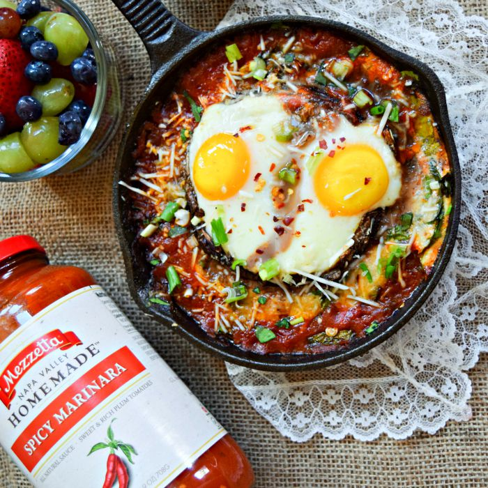 Portobello Eggs Inferno with Mezzetta Spicy Marinara