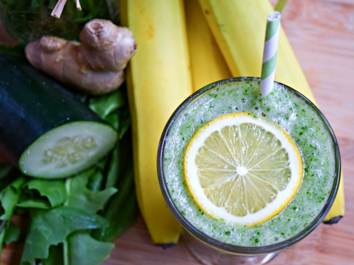 Dandelion Greens Detox Smoothie is a low-cal way to cleanse your system and tame tummy troubles