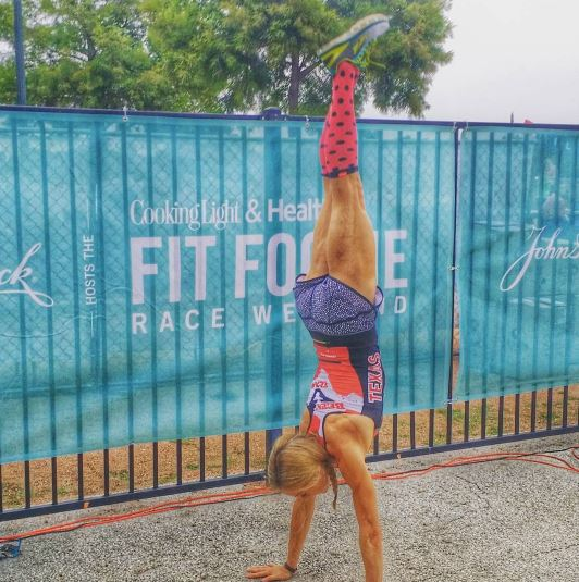 John Hancock Hosts the Cooking Light & Health Fit Foodie Race Weekend - thefitfork.com jennifer fisher handstand