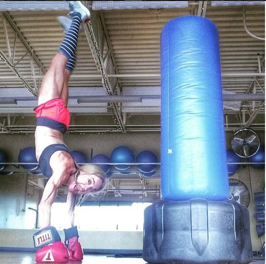 Jennifer thefitfork handstand in kickboxing class