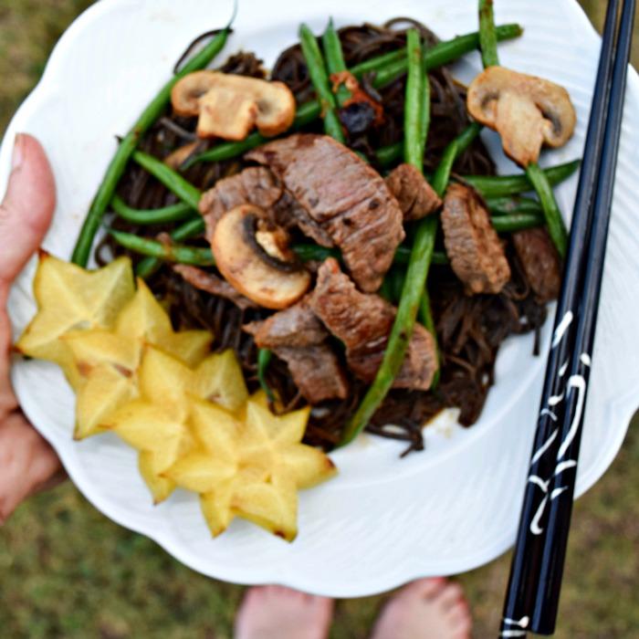 Starfruit as garnish to stir-fry