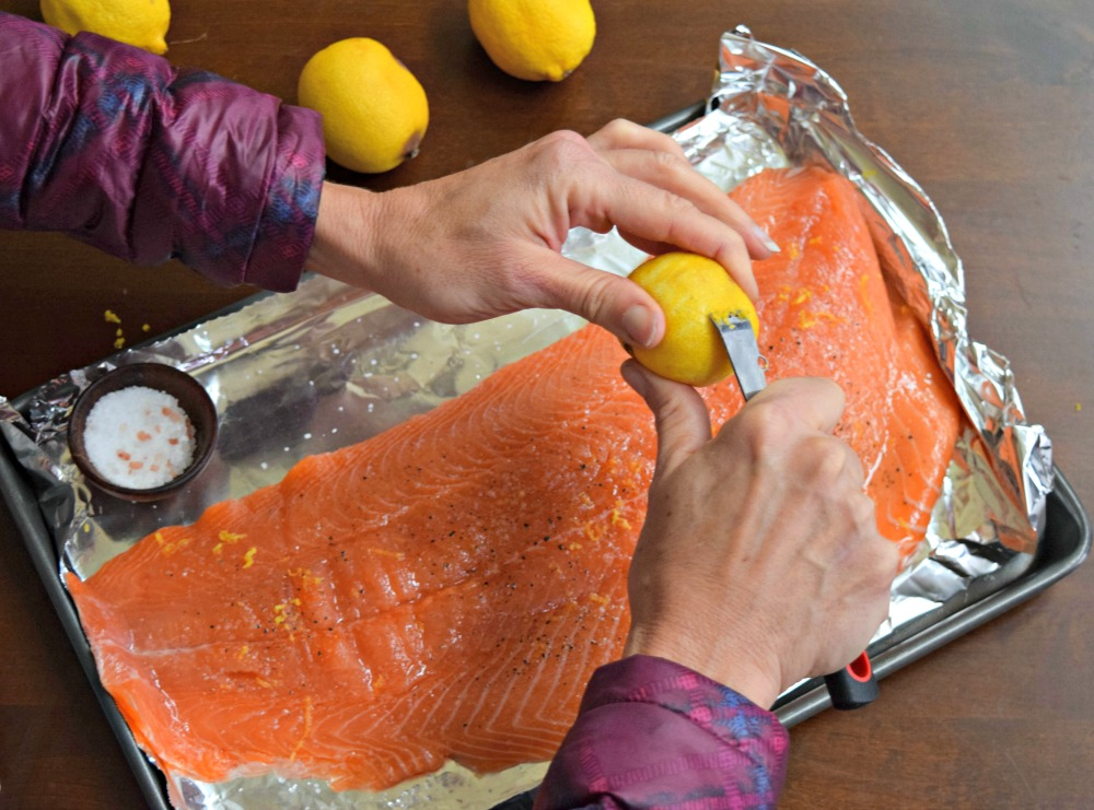 prepping-salmon-litehouse