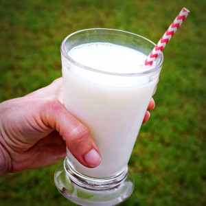 Milk makes a good bedtime snack, it's slow digesting and packed with casein protein for muscle making