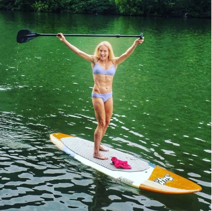 jennifer fisher thefitfork paddleboard sup