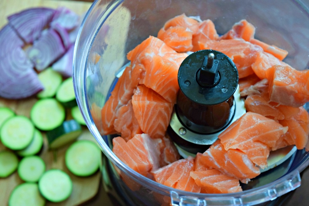 salmon in food processor for burgers