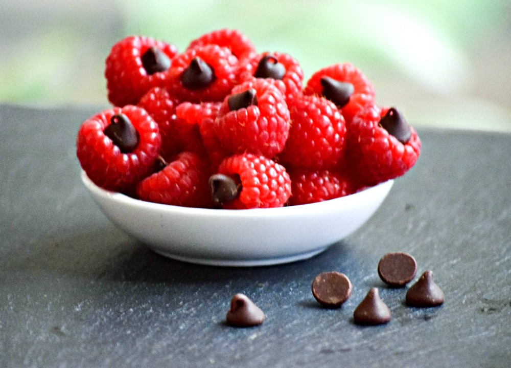 Chocolate Chip Stuffed Raspberries have only 4 calories each!