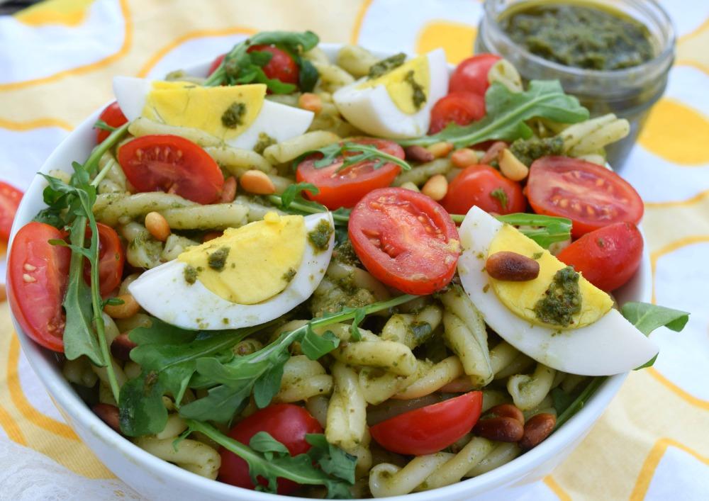 12 minute Egg Pesto Pasta Salad